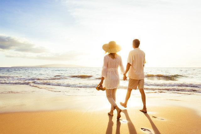 浜辺のカップル