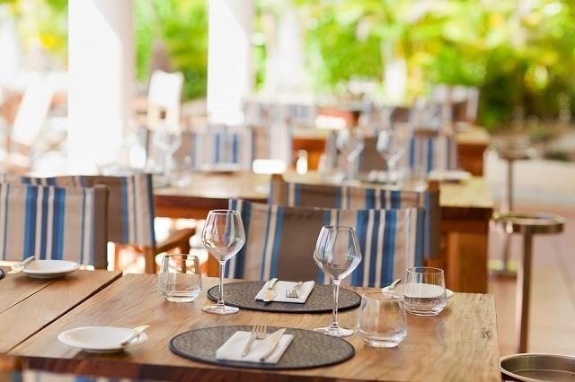 空席のレストラン