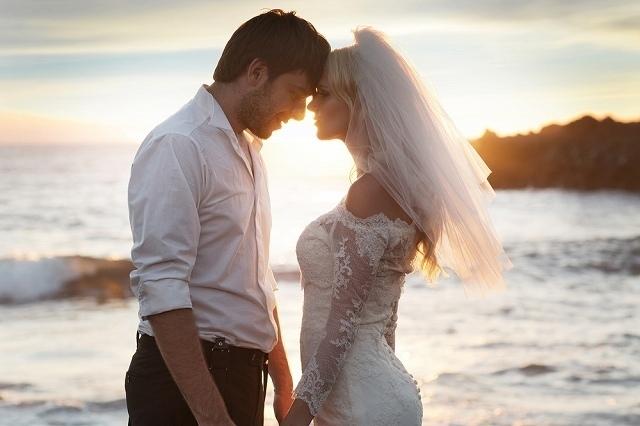 結婚する女性イメージ