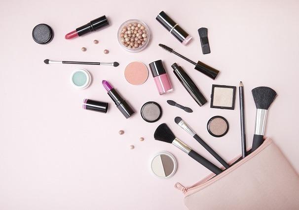 化粧品たくさん