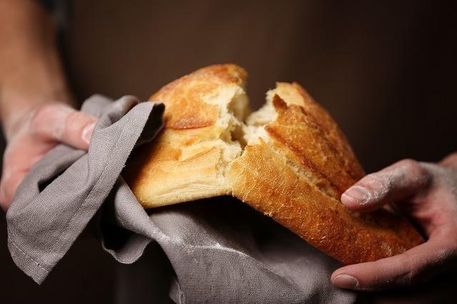 ちぎるパン
