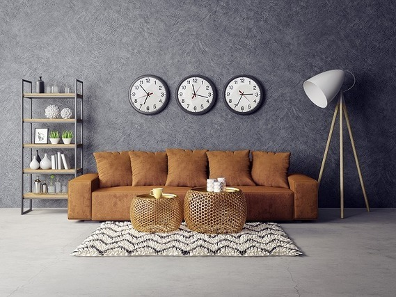 ブラウンのソファーがある部屋