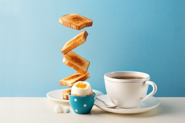 トーストとゆで卵とコーヒー