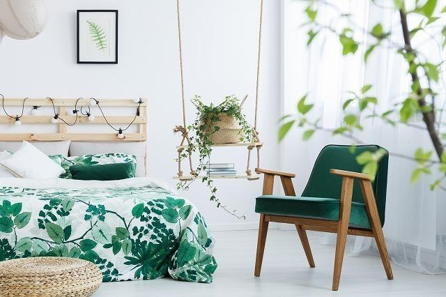 椅子とベッド