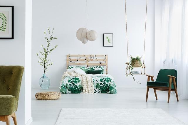 緑色を取り入れたベッドルーム