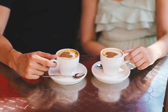 二つのカップ
