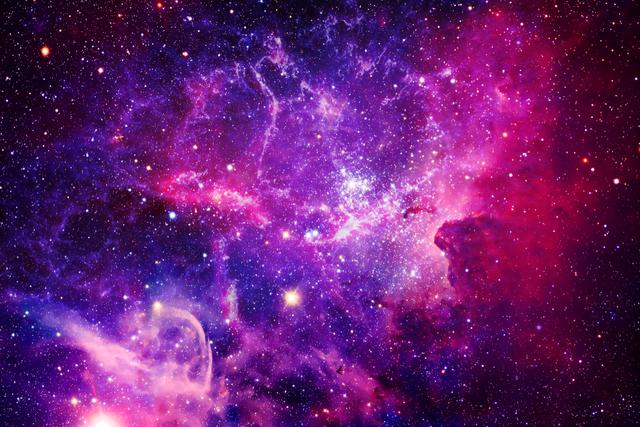 紫色の星雲