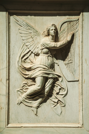 天使のレリーフ