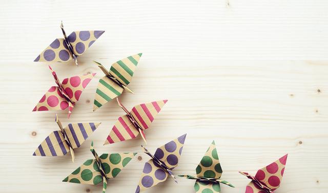 並んだ折り鶴