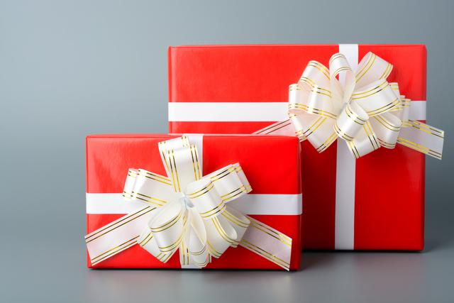 赤いプレゼントの箱