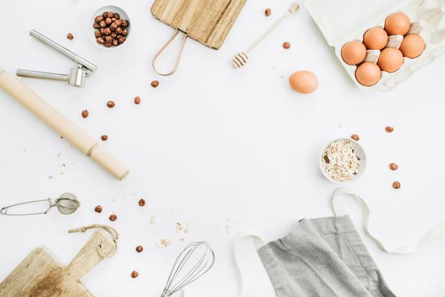 卵とキッチンツール