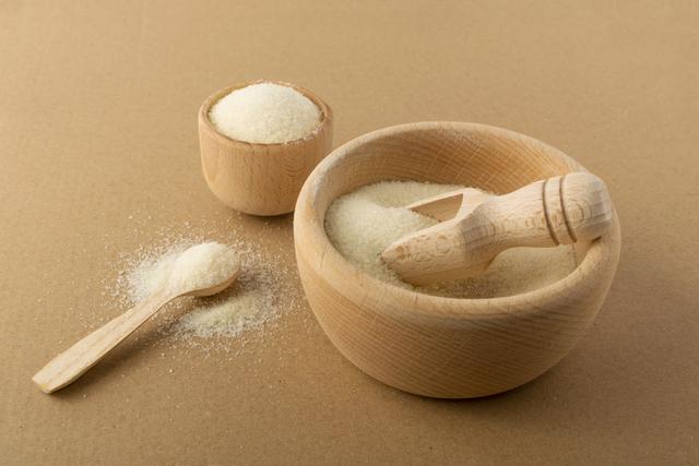 木の器に入った粉