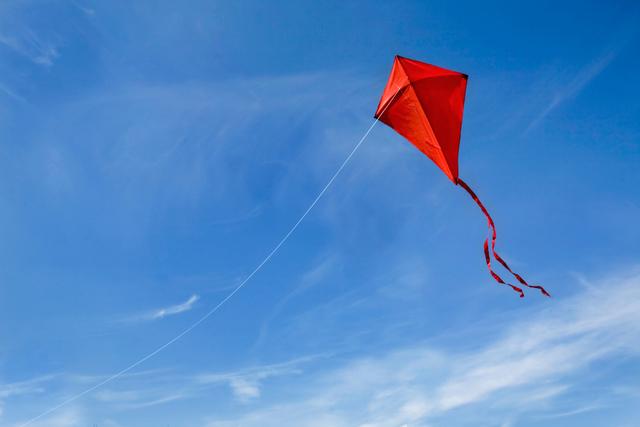 凧で風の流れを