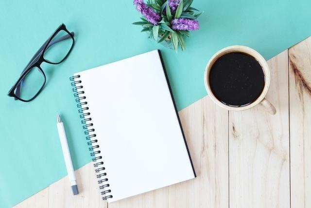 コーヒーと筆記用具
