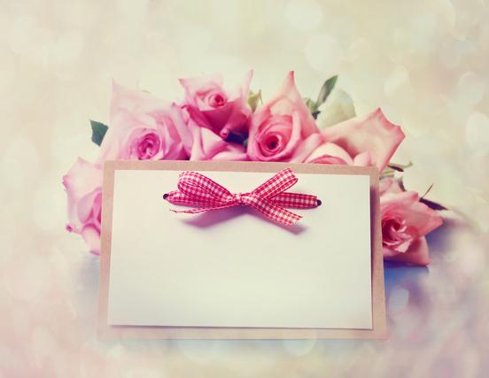 花束とメッセージカード画像